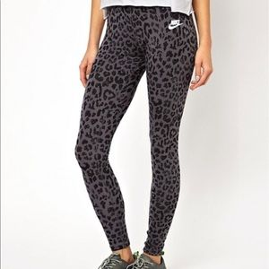 Nike Gray Leopard Printed Leggings